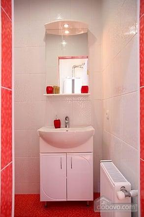 Квартира в центрі – комфорт і затишок, 2-кімнатна (31803), 010