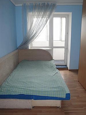 Уютная квартира, 2х-комнатная, 005