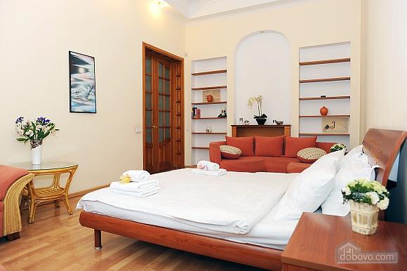 Квартира класу люкс в центрі, 4-кімнатна (10474), 005