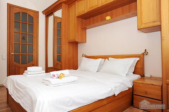 Квартира класу люкс в центрі, 4-кімнатна (10474), 009