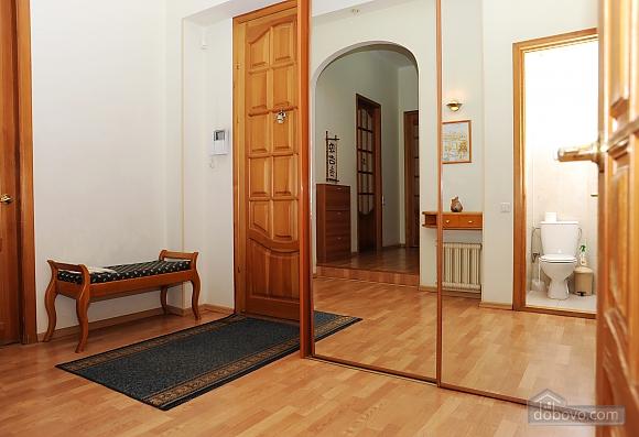 Квартира класу люкс в центрі, 4-кімнатна (10474), 019