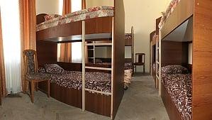 A room in a hostel, Studio, 006