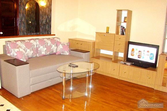 Квартира на площади Независимости, 2х-комнатная (57352), 001
