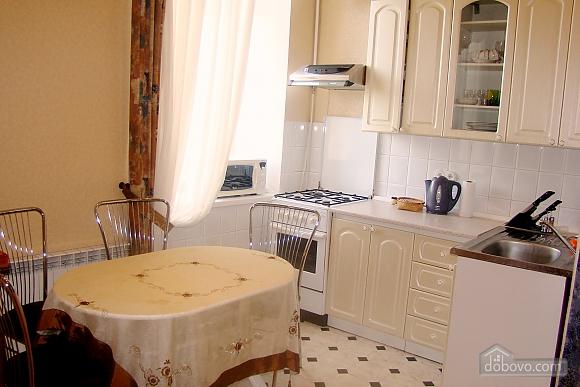 Квартира на площади Независимости, 2х-комнатная (57352), 004