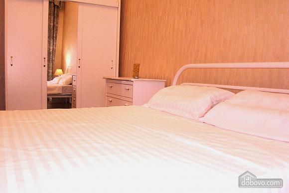 Квартира на площади Независимости, 2х-комнатная (57352), 007