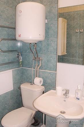 Квартира на площади Независимости, 2х-комнатная (57352), 010