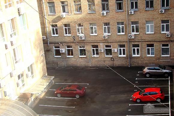 Квартира на площади Независимости, 2х-комнатная (57352), 013