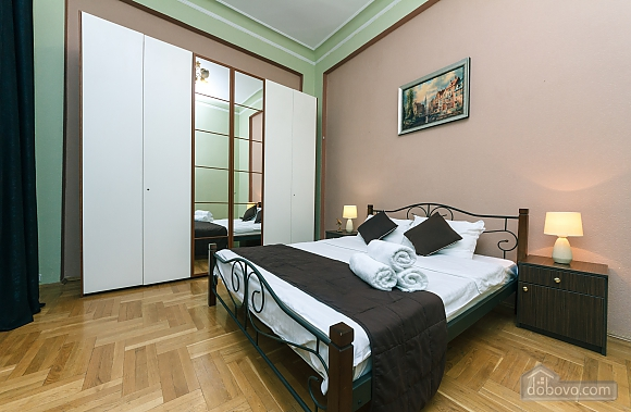 With a fire place in Kiev center, Three Bedroom (80000), 008