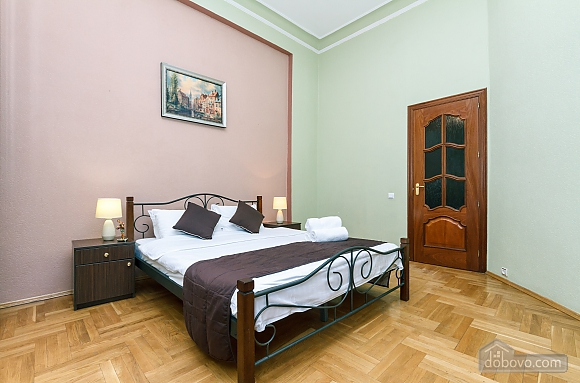 With a fire place in Kiev center, Three Bedroom (80000), 012