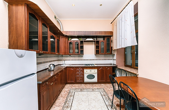With a fire place in Kiev center, Three Bedroom (80000), 023