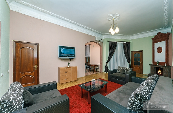 With a fire place in Kiev center, Three Bedroom (80000), 004