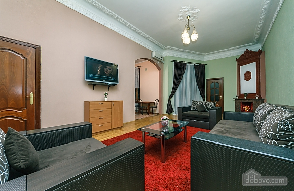 With a fire place in Kiev center, Three Bedroom (80000), 001