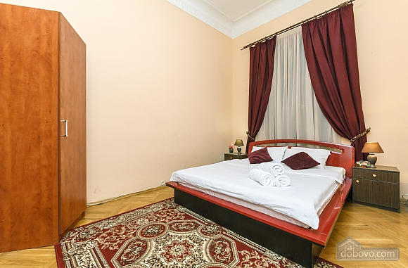 With a fire place in Kiev center, Three Bedroom (80000), 019