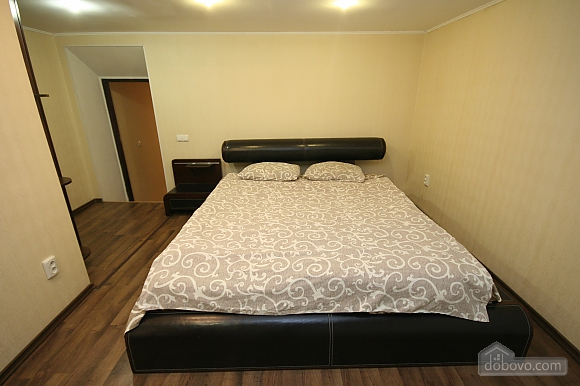 Two Bedrooms and two Bathrooms, Deux chambres (80725), 013