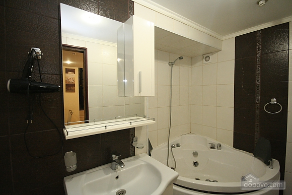 Two Bedrooms and two Bathrooms, Deux chambres (80725), 019