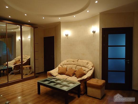 Comfortable apartment on Triokhsviatytelska, One Bedroom (13308), 001