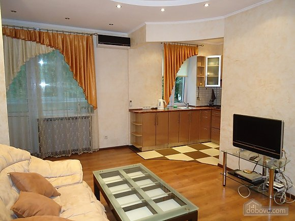 Comfortable apartment on Triokhsviatytelska, One Bedroom (13308), 002