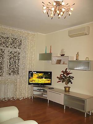 4 Gusovskogo, Zweizimmerwohnung, 004