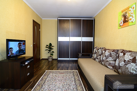 With separate rooms, One Bedroom (82571), 004