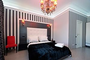 Кімната для двох на верхньому поверсі з видом на вулицю і з душем, 1-кімнатна, 001