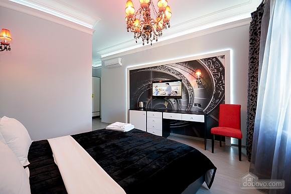 Top floor street view double room with shower, Studio (82703), 005