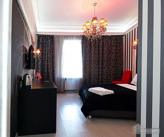 Top floor street view double room with shower, Studio (82703), 007