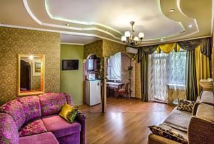Apartment near Lenin Park, Dreizimmerwohnung, 001