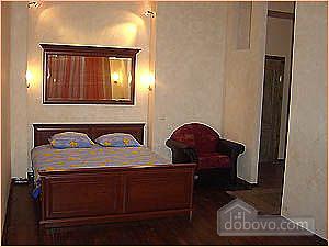 Біля Майдану Незалежності, 1-кімнатна (16209), 005