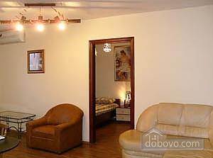 Квартира у набережной Днепра, 2х-комнатная (84219), 001