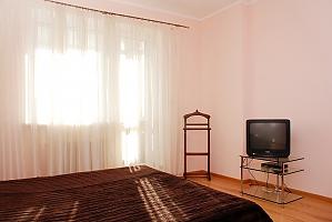Метро Позняки, 2х-комнатная, 004