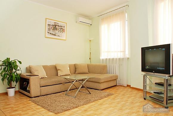 Квартира біля метро Позняки, 2-кімнатна (39318), 002