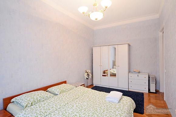 В центрі Києва, 2-кімнатна (41362), 001