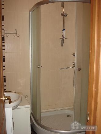 Уютная квартира, 2х-комнатная (19241), 002