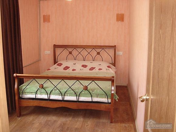 Уютная квартира, 2х-комнатная (19241), 001
