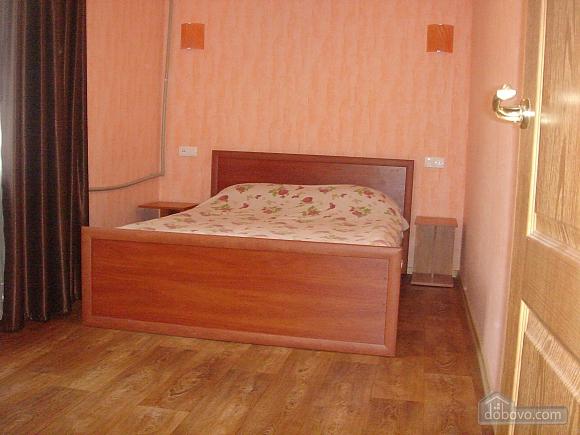 Уютная квартира, 2х-комнатная (19241), 005