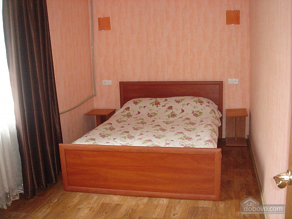 Уютная квартира, 2х-комнатная (19241), 010