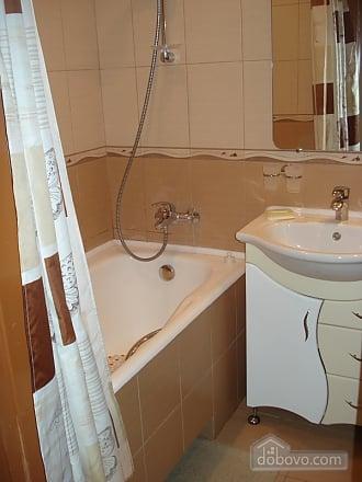 Квартира з євроремонтом, 2-кімнатна (86790), 010