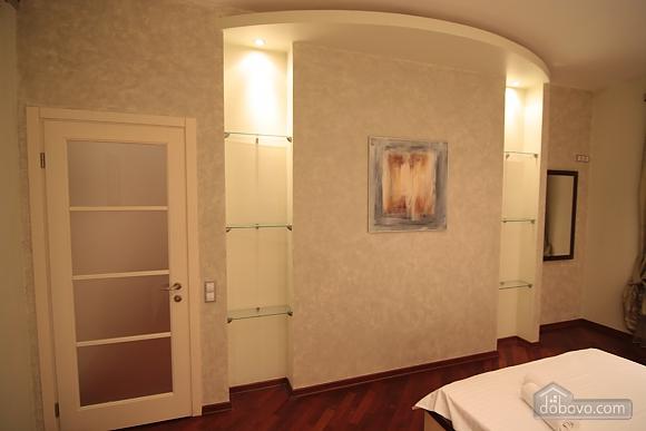 VIP, Two Bedroom (41955), 004