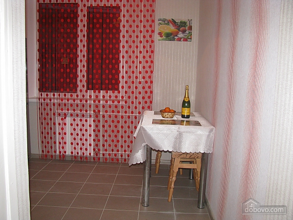 Near metro station and attraction center, Studio (42350), 003