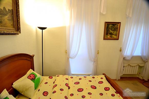 4 Prorizna, Una Camera (64998), 010