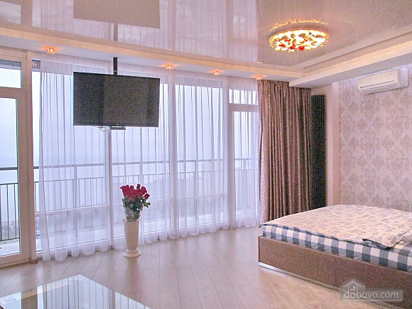 The best apartment in Most City with Jacuzzi and a view of the Dnieper River, Monolocale (43471), 001