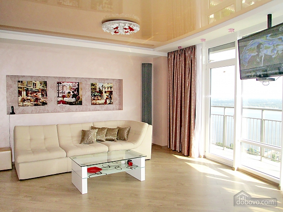 The best apartment in Most City with Jacuzzi and a view of the Dnieper River, Monolocale (43471), 018