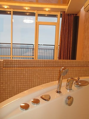 The best apartment in Most City with Jacuzzi and a view of the Dnieper River, Studio, 003