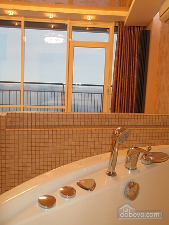 The best apartment in Most City with Jacuzzi and a view of the Dnieper River, Monolocale (43471), 003