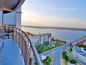 Apartments in Most City with a balcony and a gorgeous view of the Dnipro river, One Bedroom, 016