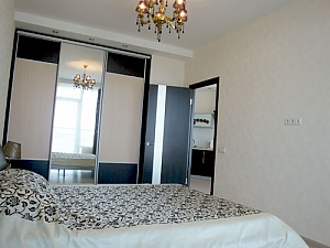 Apartments in Most City with a balcony and a gorgeous view of the Dnipro river, One Bedroom, 004