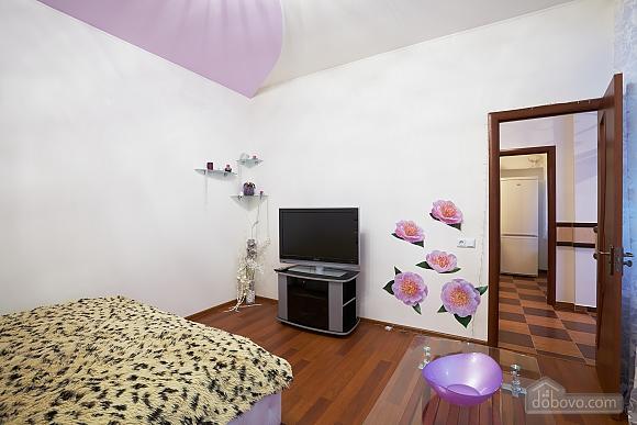 Квартира возле Оперного театра, 1-комнатная (21087), 002