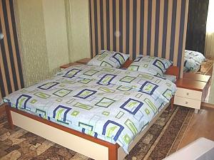 Green Deluxe apartment (wi-fi) in the centre of Kherson, Studio, 001