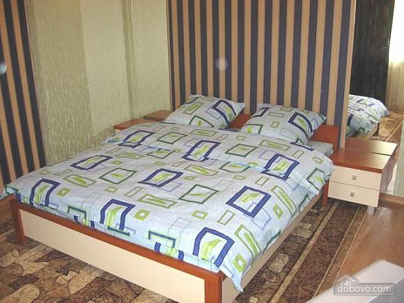 Зеленая Делюкс квартира в центре, 1-комнатная (88899), 001