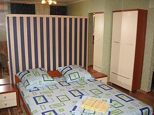 Green Deluxe apartment (wi-fi) in the centre of Kherson, Studio, 002